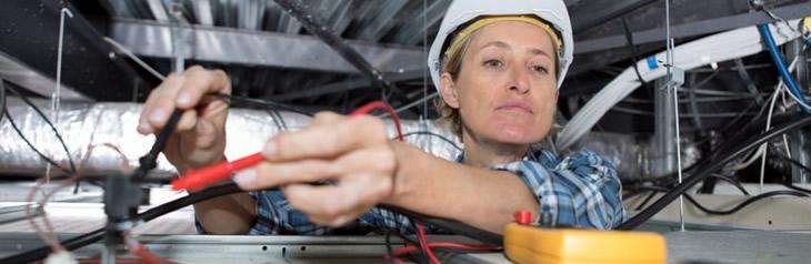 Enlighten Electrical Blog Story Female Electrician 1